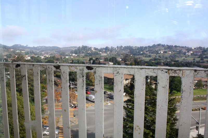 View+from+the+clocktower%3A+The+median+where+homeless+just+like+Woods+can+be+found+every+day.