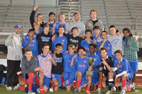 Boys varsity soccer wins Bay City Invitational