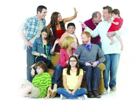 "Emmy-winning ""Modern Family"" begins a sucessful third season"