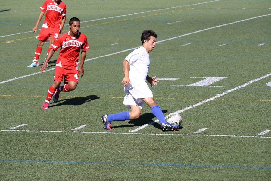 GALLERY%3A+Boys+varsity+soccer+defeats+Montgomery+4-0
