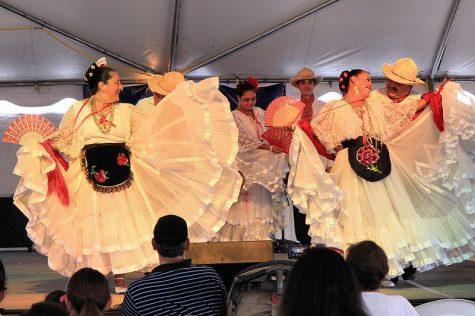 Tam's International Club Hosts Ballet Folklorico