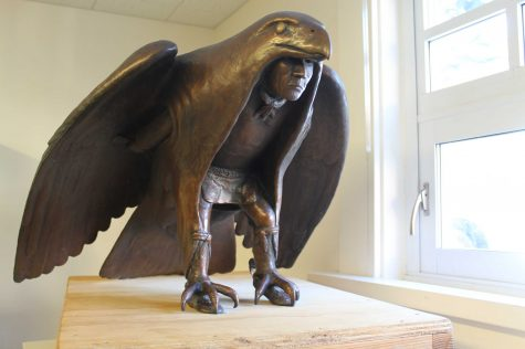 $8,000 Statue Donated by the Tam Alumni Association