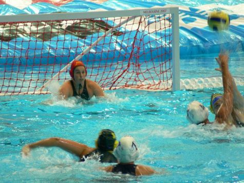 Girls' Waterpolo Beats Redwood