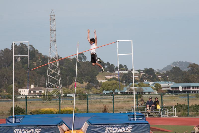 Shaw Pole Vaults His Way to State