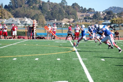 Varsity Football Team Beats San Rafael, Seniors Reflect on Season