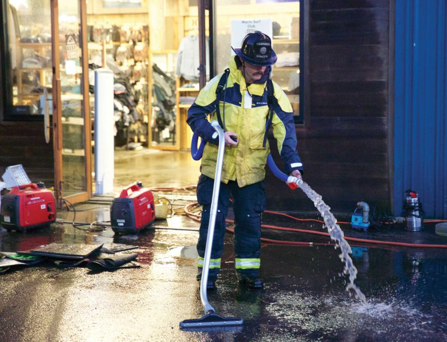 Fire+Hydrant+Causes+Flooding+on+Shoreline