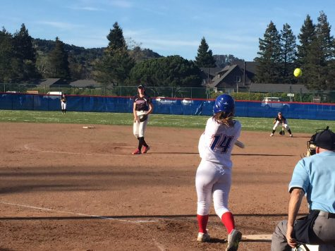 Tam Softball Defeats Redwood