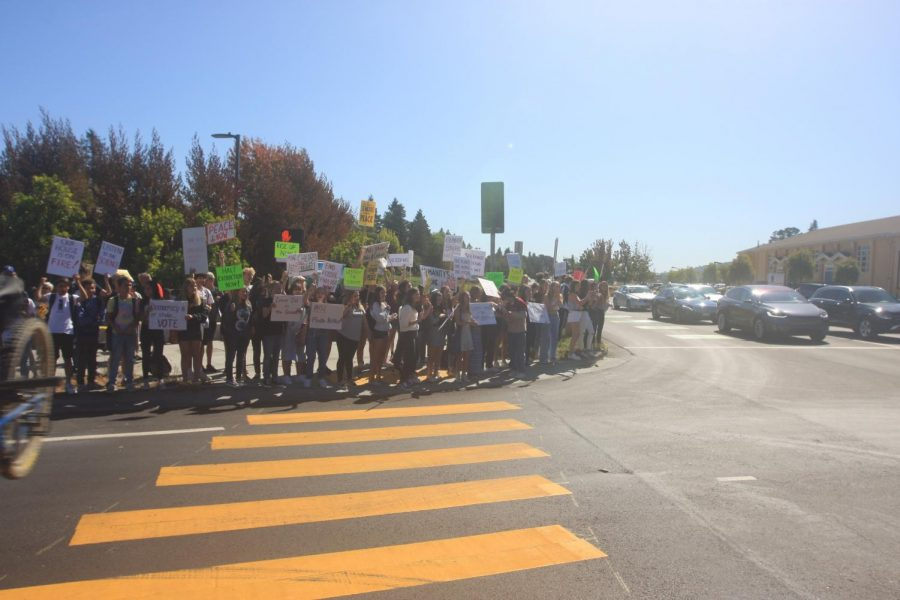 Students protest on the Camino-Alto street corner for the Global Climate movement.