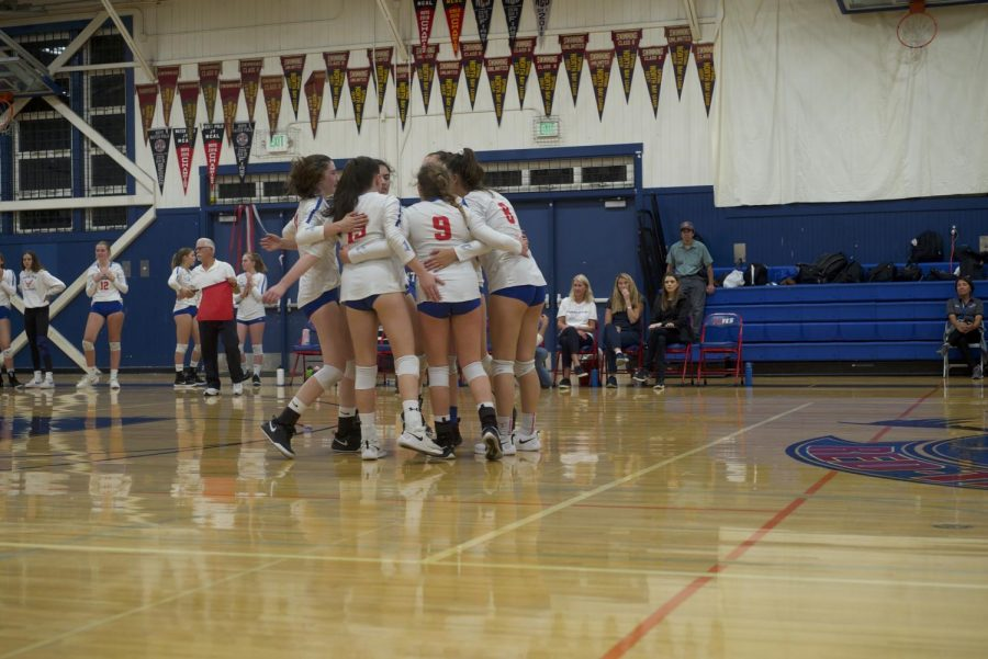 Girls volleyball cruises to state playoff opening round win