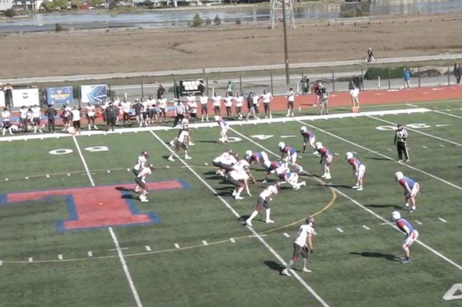 Varsity football falls to Redwood on home turf