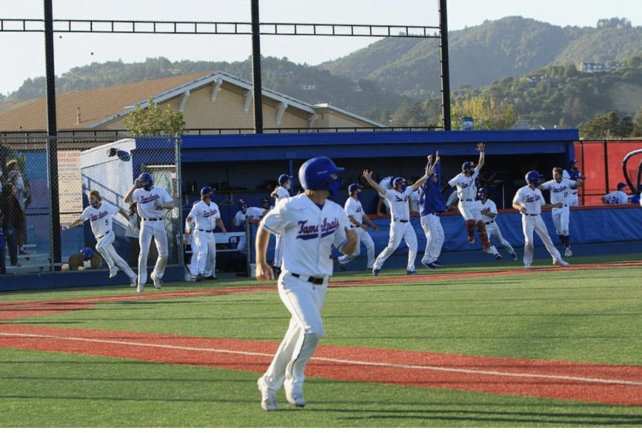 Falzone running to first base after his hit at bat. (Courtesy of Parker Falzone)